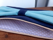 pochette suédine bleue